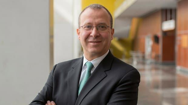Feza Remzi, MD
