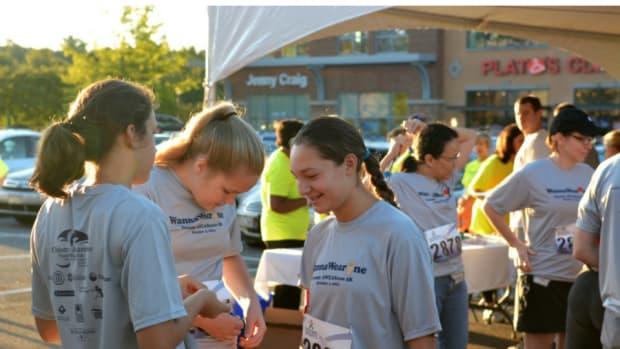 Run for Resilience Ostomy 5k runners