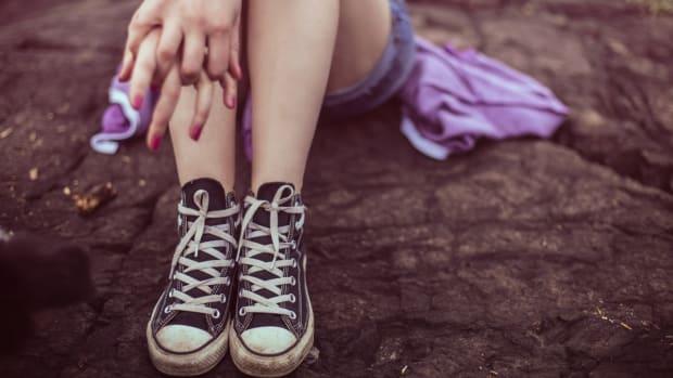 converse-all-star-fashion-foot-girl